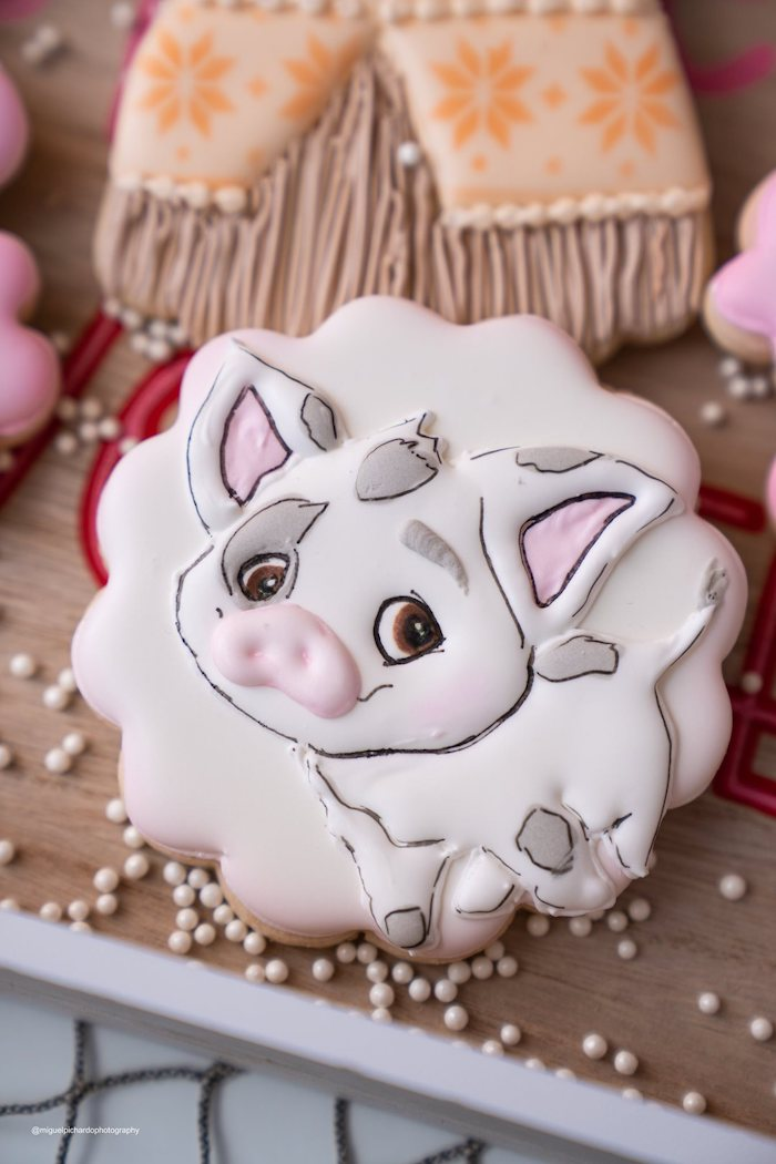 Moana's - Pua Sugar Cookie from a Modern & Fresh Moana Birthday Party on Kara's Party Ideas | KarasPartyIdeas.com (28)