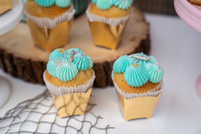 Moana-inspired Cupcakes from a Modern & Fresh Moana Birthday Party on Kara's Party Ideas | KarasPartyIdeas.com (18)