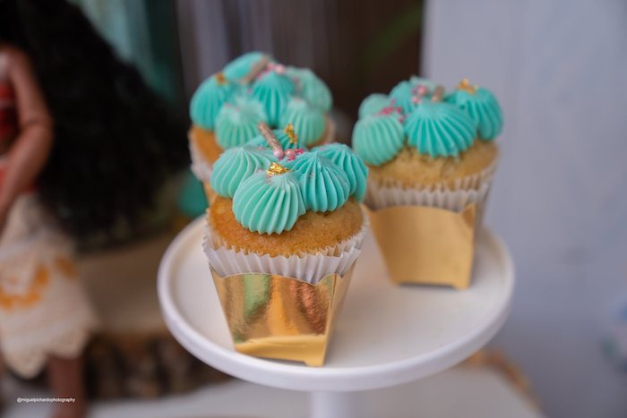Moana-inspired Cupcakes from a Modern & Fresh Moana Birthday Party on Kara's Party Ideas | KarasPartyIdeas.com (7)