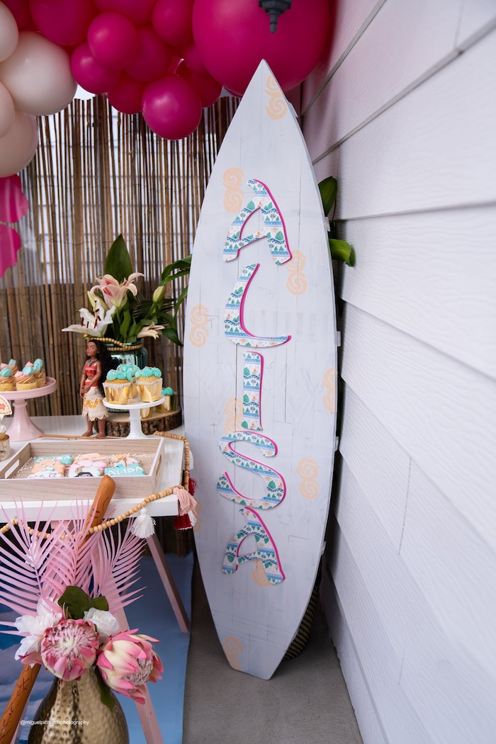 Surfboard Name Sign from a Modern & Fresh Moana Birthday Party on Kara's Party Ideas | KarasPartyIdeas.com (4)