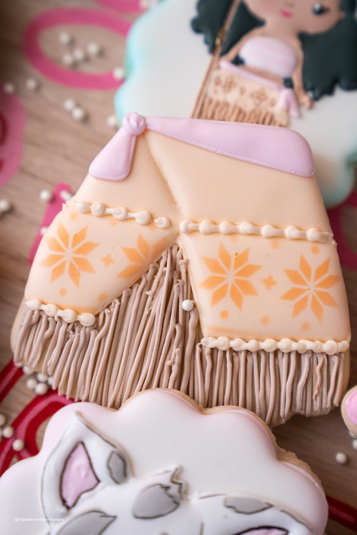 Moana's Hut-inspired Sugar Cookie from a Modern & Fresh Moana Birthday Party on Kara's Party Ideas | KarasPartyIdeas.com (30)