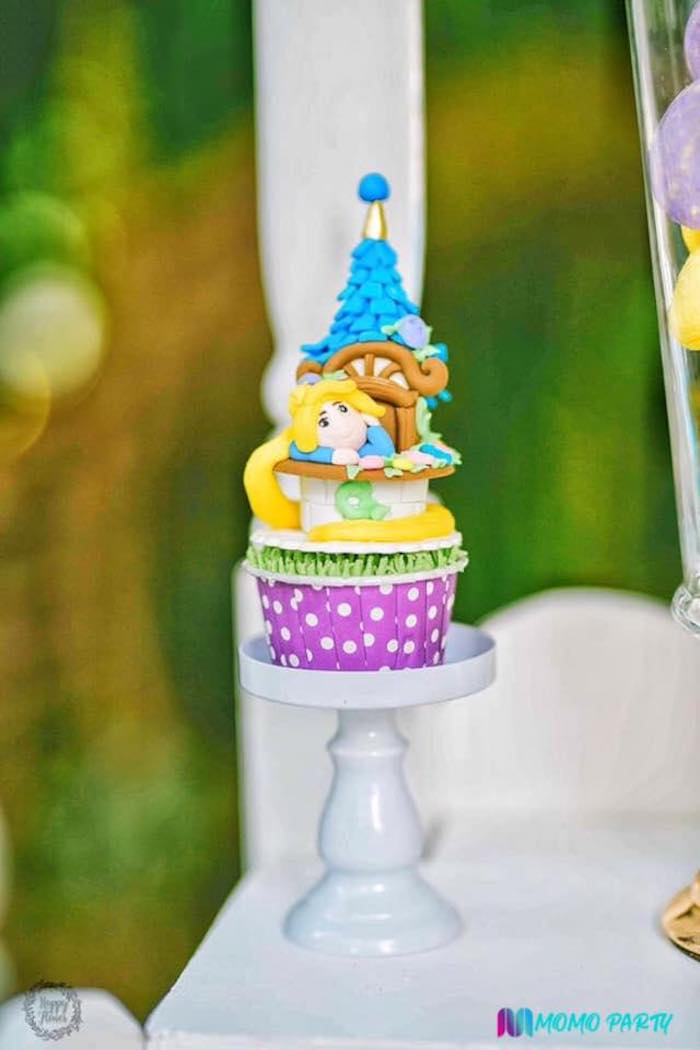 Tangled-inspired Rapunzel Cupcake from a Tangled Birthday Party on Kara's Party Ideas | KarasPartyIdeas.com (17)