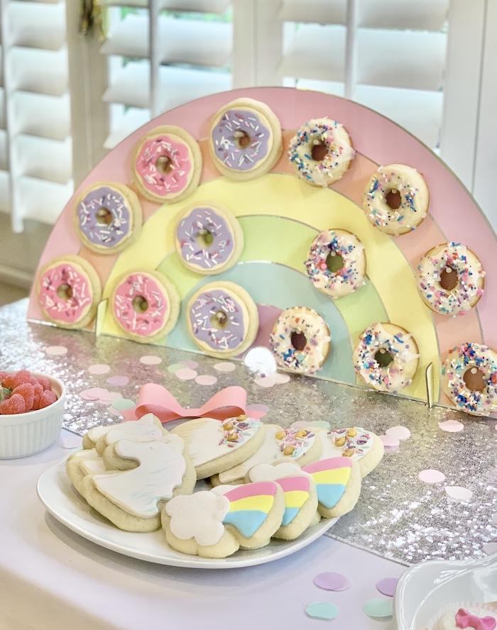 Rainbow Donut Wall de una gran fiesta de cumpleaños de Jojo Siwa Dream en Kara's Party Ideas | KarasPartyIdeas.com