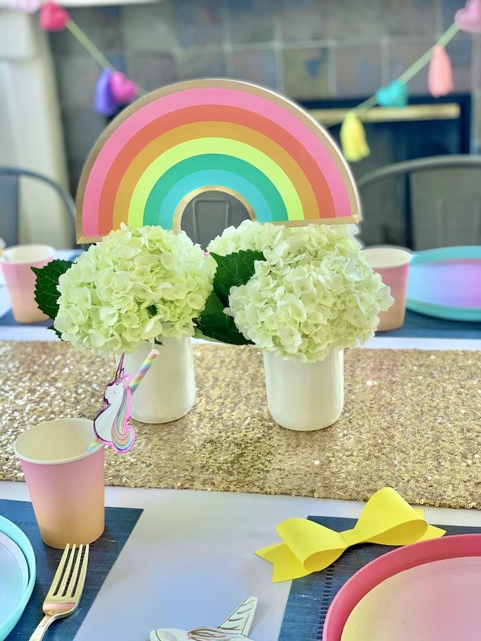 Rainbow Centerpiece de una gran fiesta de cumpleaños de Jojo Siwa Dream en Kara's Party Ideas | KarasPartyIdeas.com