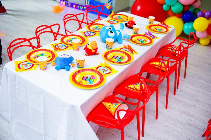 Kid Table from a BabyFirst TV Inspired Birthday Party on Kara's Party Ideas | KarasPartyIdeas.com (19)