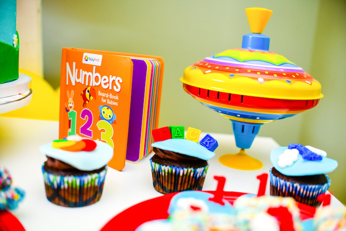 Toy/Book Decor from a BabyFirst TV Inspired Birthday Party on Kara's Party Ideas | KarasPartyIdeas.com (11)