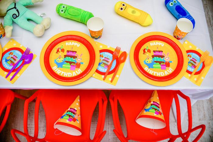 Table Settings from a BabyFirst TV Inspired Birthday Party on Kara's Party Ideas | KarasPartyIdeas.com (26)