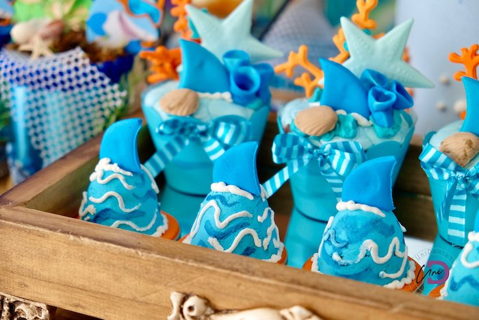 Swimming Shark Drops + Cupcakes from a Shark Under the Sea Birthday Party on Kara's Party Ideas | KarasPartyIdeas.com (21)
