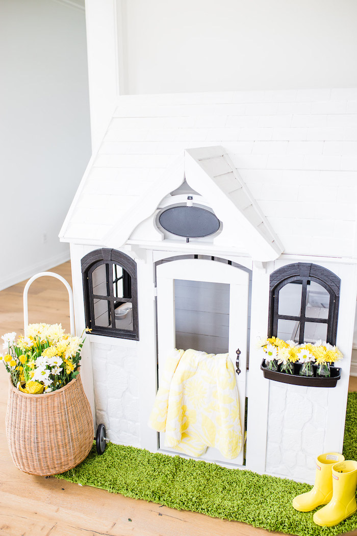 Little Rabbit Themed Playhouse from The Little Rabbit Inspired Spring Play Date Party on Kara's Party Ideas | KarasPartyIdeas.com (31)