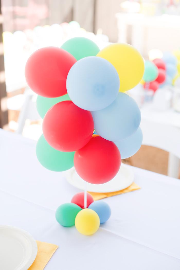 Mini Balloon Centerpiece from a Curious George Birthday Party on Kara's Party Ideas | KarasPartyIdeas.com (26)