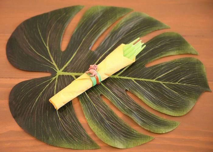 Jungle Leaf Table Setting from a Jungle Safari Birthday Party on Kara's Party Ideas | KarasPartyIdeas.com (34)