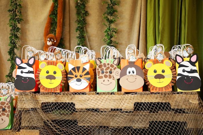 Jungle Safari Party Favor Bags from a Safari Party Favor Bags from a Jungle Safari Birthday Party on Kara's Party Ideas | KarasPartyIdeas.com (45)
