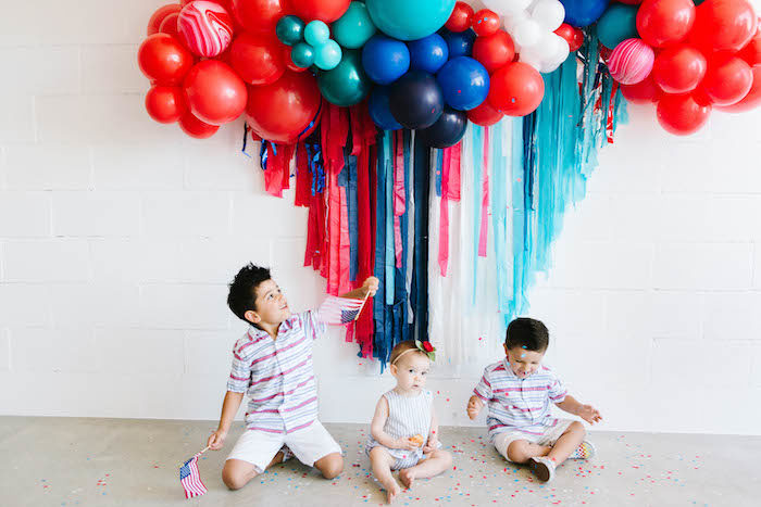 4th of July Balloon Fringe Backdrop from a Modern Classic July 4th Party on Kara's Party Ideas | KarasPartyIdeas.com (14)