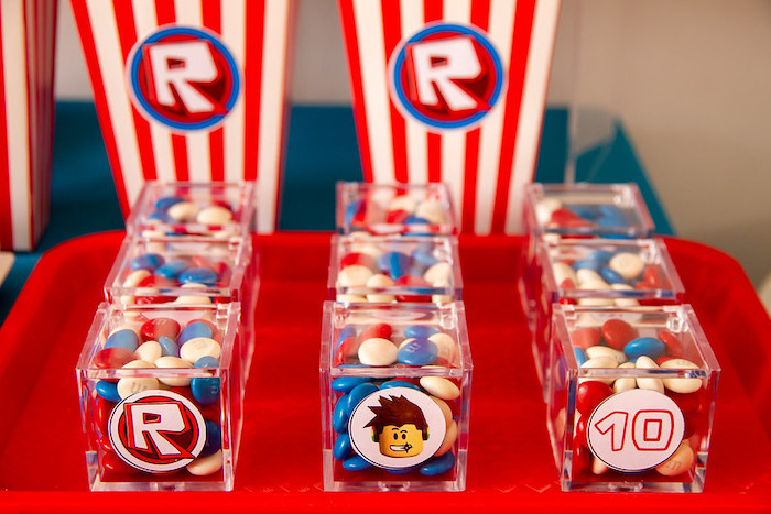 Roblox Candy Favor Cubes from a Roblox Birthday Party on Kara's Party Ideas | KarasPartyIdeas.com (15)