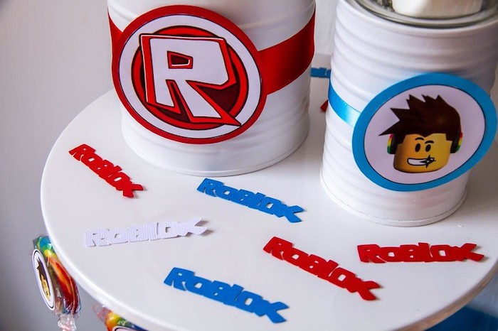 Roblox Confetti from a Roblox Birthday Party on Kara's Party Ideas | KarasPartyIdeas.com (14)