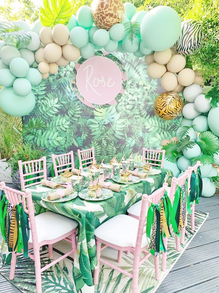Tropical Guest Table from a Beverly Hills Jungle Birthday Party on Kara's Party Ideas | KarasPartyIdeas.com (7)