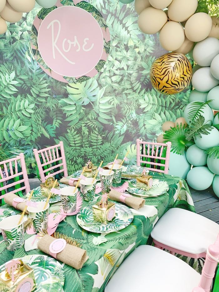 Tropical Guest Table from a Beverly Hills Jungle Birthday Party on Kara's Party Ideas | KarasPartyIdeas.com (6)