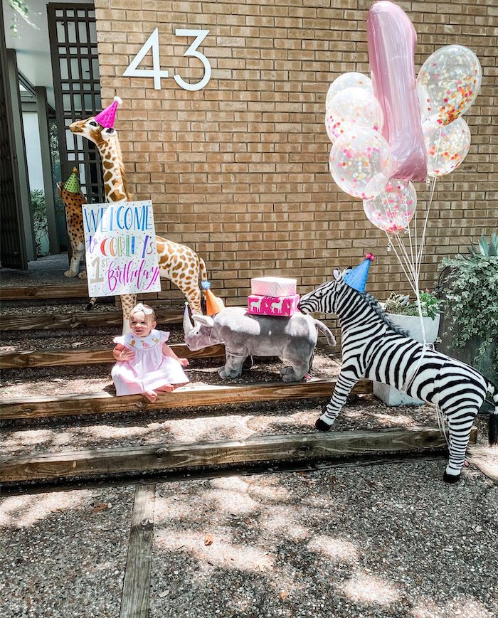 Wild Animal Welcome from a Calling All Party Animals First Birthday Party on Kara's Party Ideas | KarasPartyIdeas.com (34)
