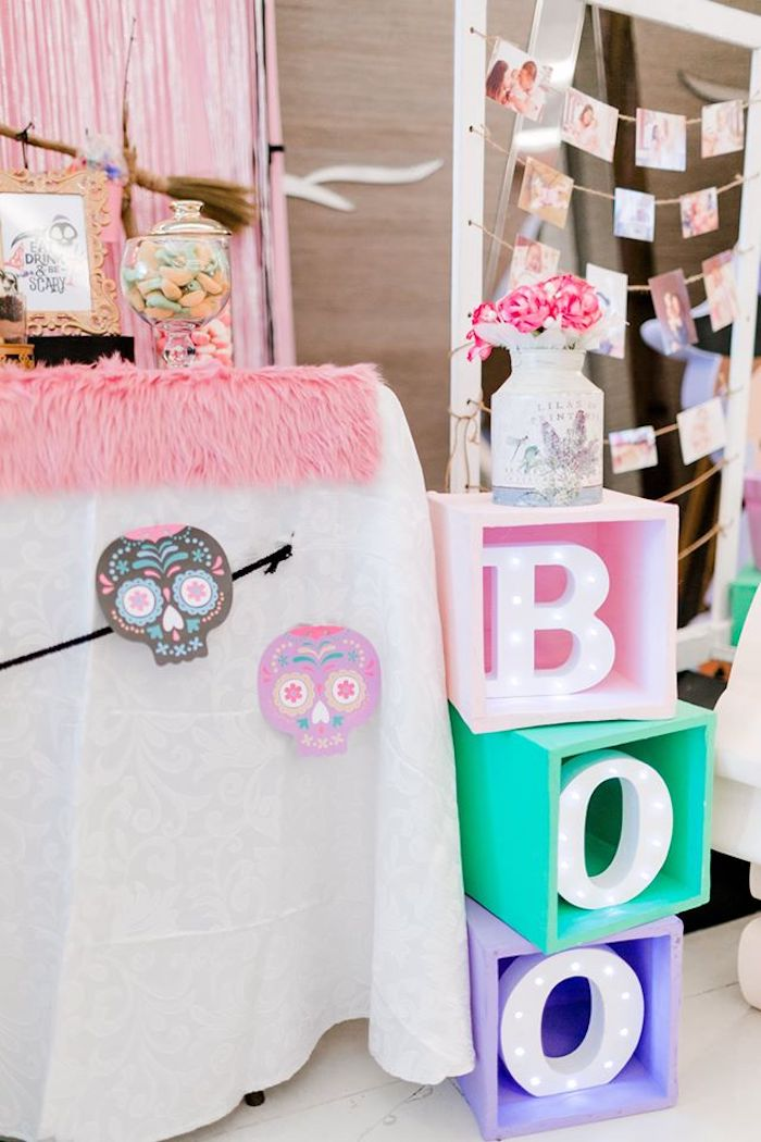BOO Marquee Light Block Sign from a Hocus Pocus Halloween Birthday Party on Kara's Party Ideas | KarasPartyIdeas.com (20)