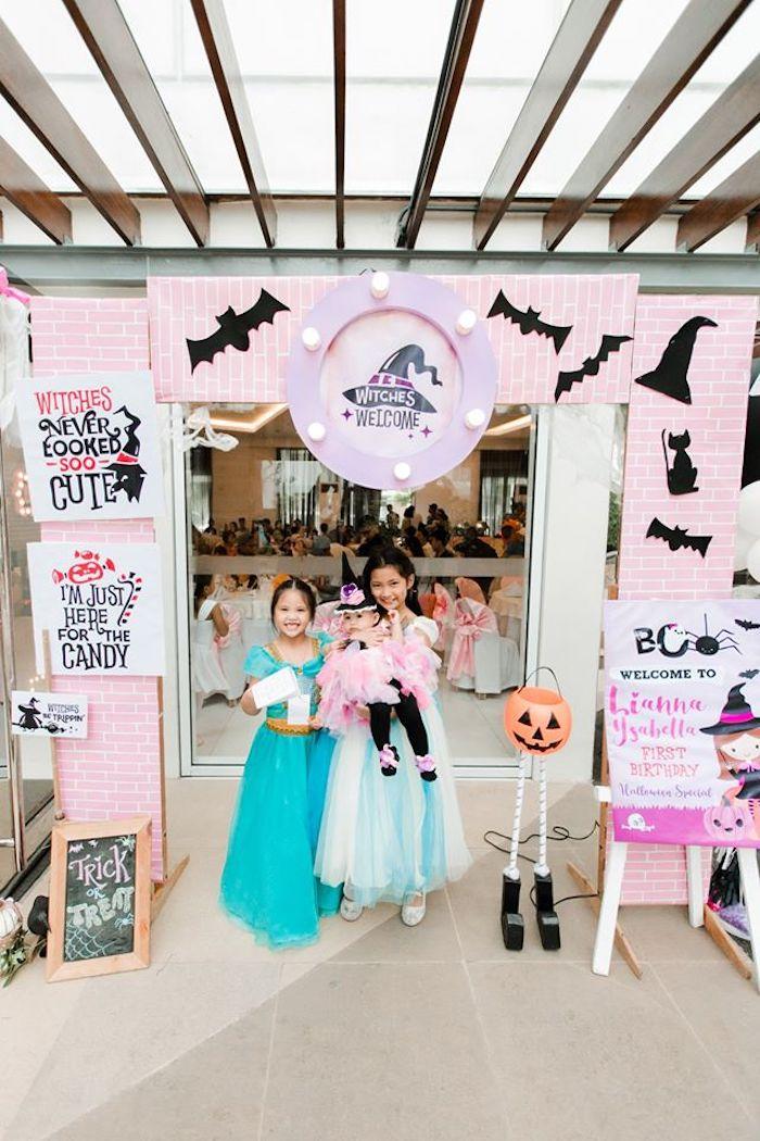 Girly Halloween Arch from a Hocus Pocus Halloween Birthday Party on Kara's Party Ideas | KarasPartyIdeas.com (12)