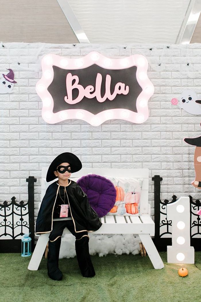 Halloween Photo Booth from a Hocus Pocus Halloween Birthday Party on Kara's Party Ideas | KarasPartyIdeas.com (11)