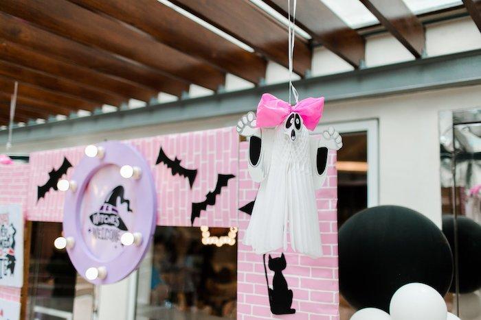 Girly Ghost from a Hocus Pocus Halloween Birthday Party on Kara's Party Ideas | KarasPartyIdeas.com (9)