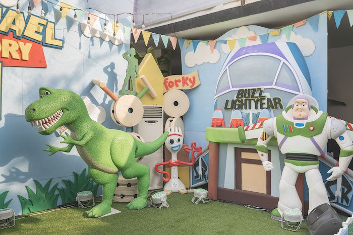 Toy Story Party Backdrop + Stage from a Toy Story 1st Birthday Party on Kara's Party Ideas | KarasPartyIdeas.com (23)