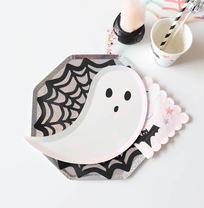 Ghost Plate Halloween Table Setting from a Halloween Spooktacular on Kara's Party Ideas | KarasPartyIdeas.com (13)