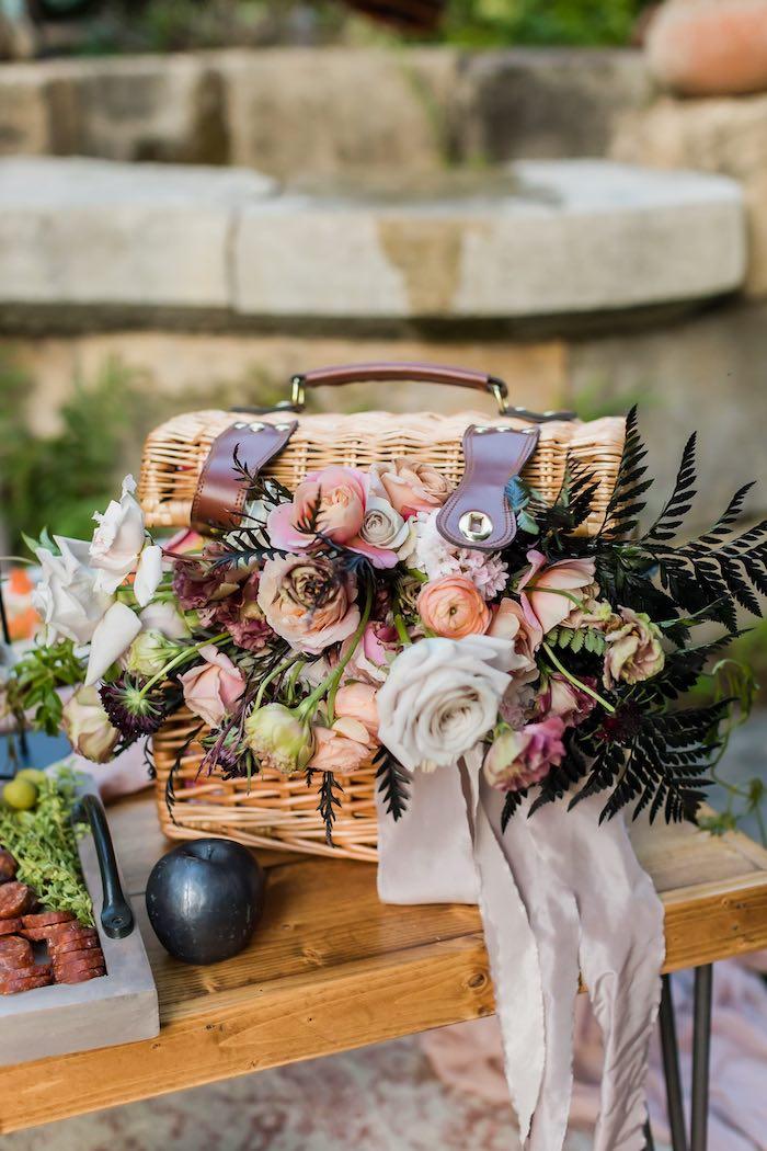 Vintage Modern Elegant Garden Wedding on Kara's Party Ideas   KarasPartyIdeas.com (15)