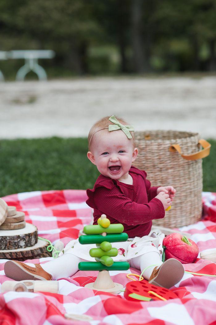 Apple Orchard Birthday Party on Kara's Party Ideas | KarasPartyIdeas.com (10)