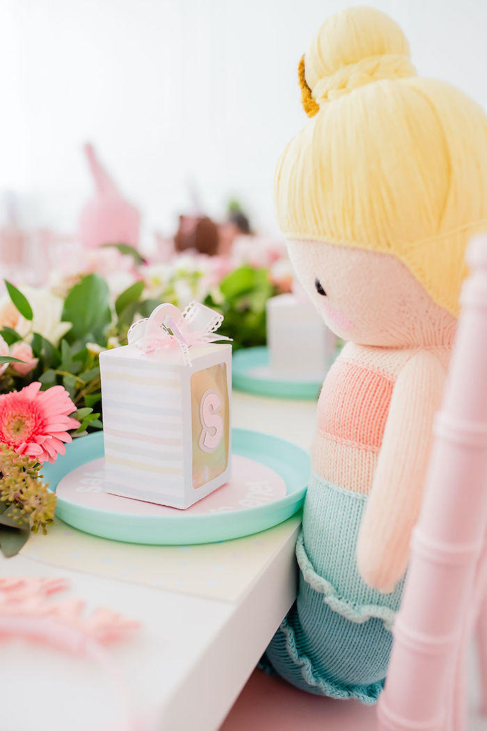 Table Setting from a Stuffed Animal Picnic Party on Kara's Party Ideas | KarasPartyIdeas.com (16)
