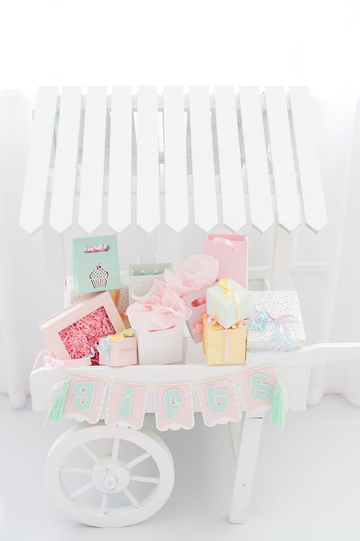 Gift Cart from a Stuffed Animal Picnic Party on Kara's Party Ideas | KarasPartyIdeas.com (13)
