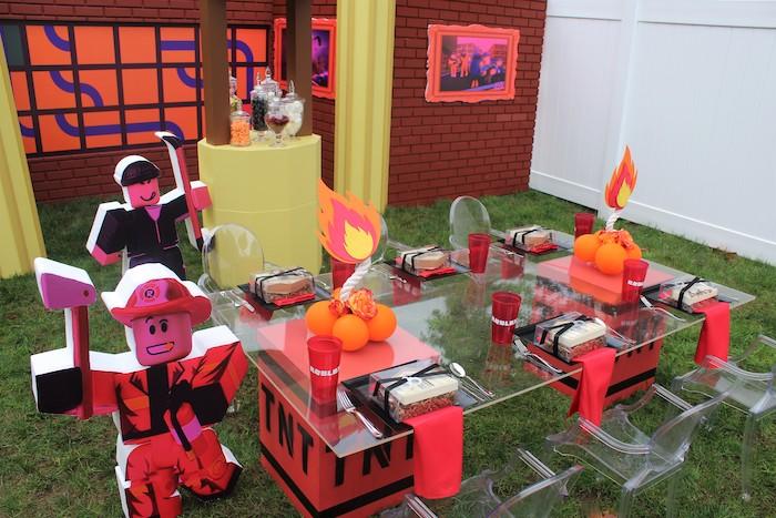 Roblox Museum Heist Birthday Party on Kara's Party Ideas | KarasPartyIdeas.com (16)
