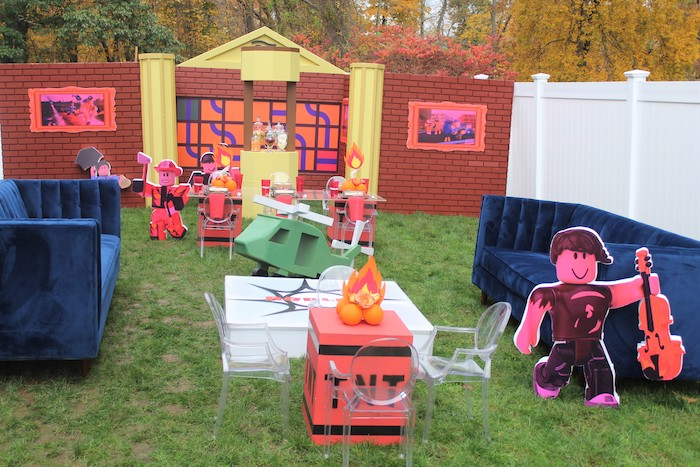 Roblox Museum Heist Birthday Party on Kara's Party Ideas | KarasPartyIdeas.com (6)