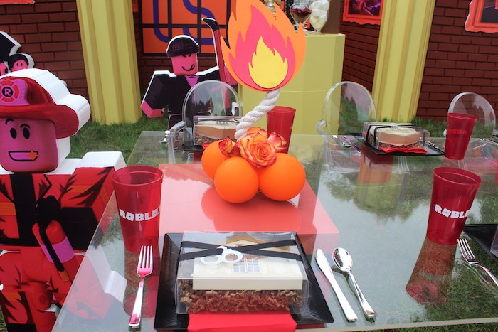 Roblox Themed Guest Table + Table Setting from a Roblox Museum Heist Birthday Party on Kara's Party Ideas | KarasPartyIdeas.com (22)