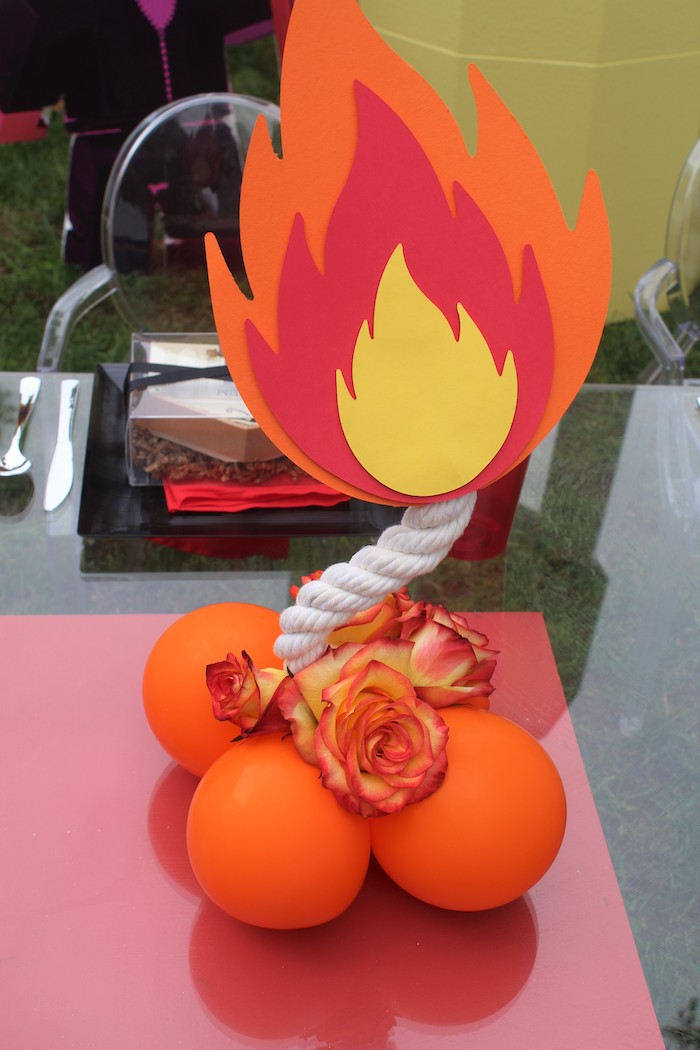 Balloon-crafted Fire Centerpiece from a Roblox Museum Heist Birthday Party on Kara's Party Ideas | KarasPartyIdeas.com (19)