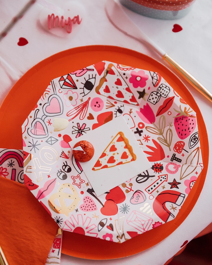 "Pizza Love Table Setting from a ""Love you to Pizzas"" Valentine's Day Party on Kara's Party Ideas 