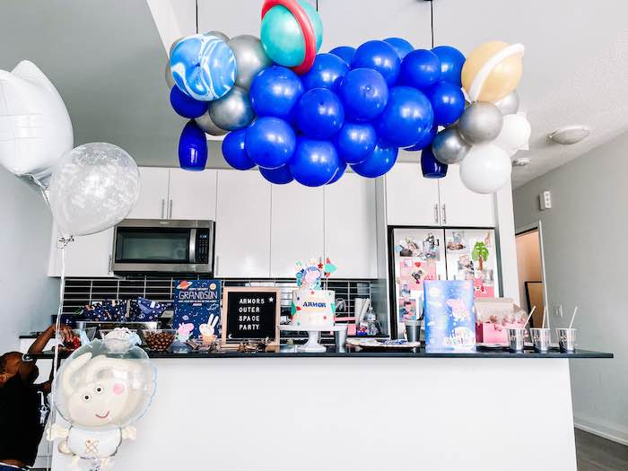 George Pig in Space Birthday Party on Kara's Party Ideas | KarasPartyIdeas.com (19)