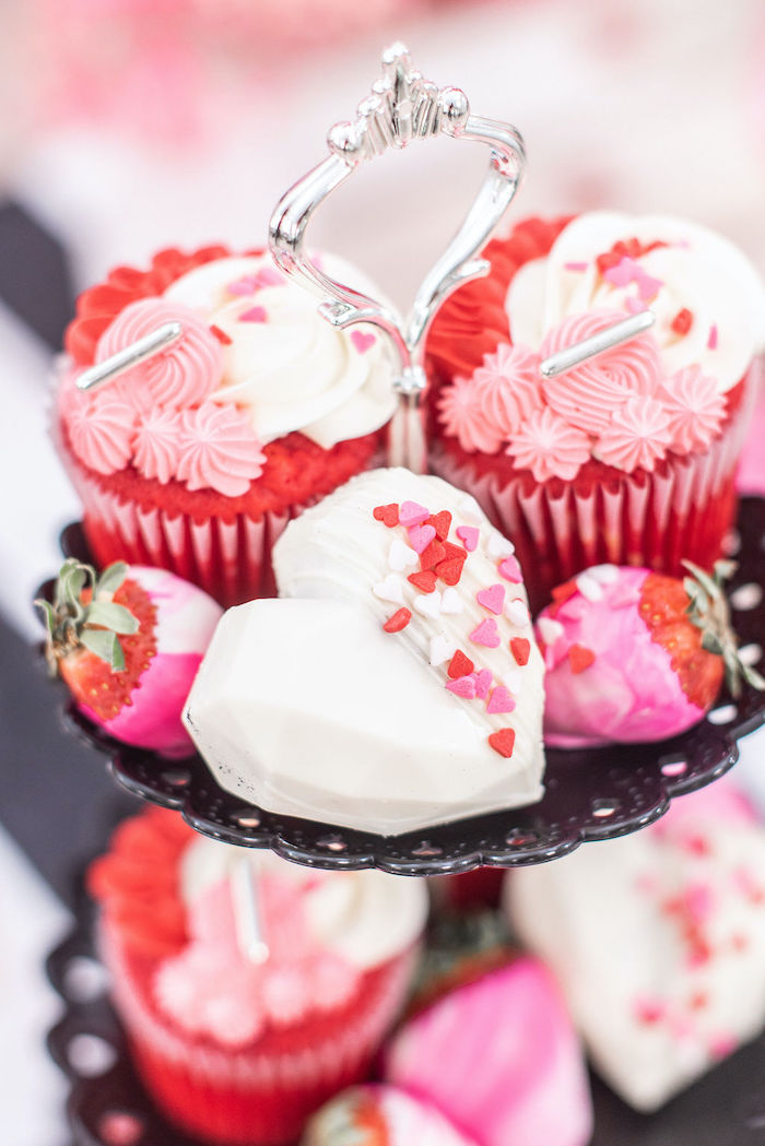 """Valentine's Day Desserts from a Pink Cosmic """"Love You to the Moon"""" Valentine's Day Party on Kara's Party Ideas 