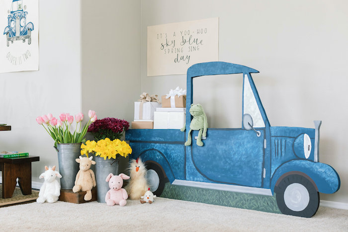 """""""Little Blue Truck"""" Backdrop + Photo Booth from a """"Little Blue Truck"""" Inspired Birthday Party on Kara's Party Ideas 