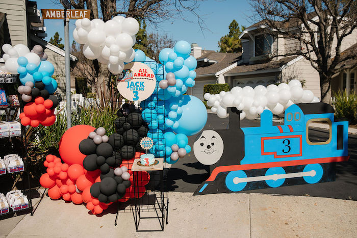 Modern Thomas the Train Birthday Party on Kara's Party Ideas | KarasPartyIdeas.com (19)