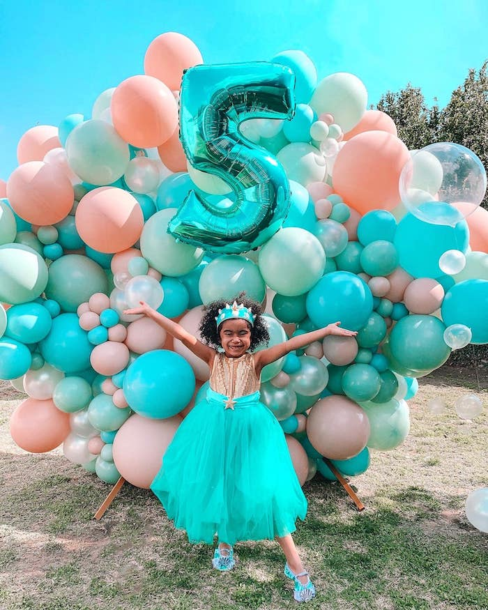 Under the Sea-inspired Balloon Install from a Turquoise and Pink Mermaid Birthday Party on Kara's Party Ideas | KarasPartyIdeas.com (17)