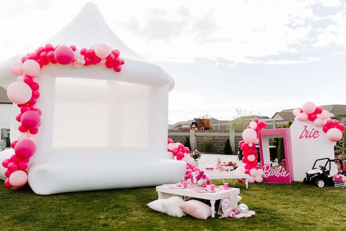 Elegante fiesta de cumpleaños de Barbie en Kara's Party Ideas |  KarasPartyIdeas.com