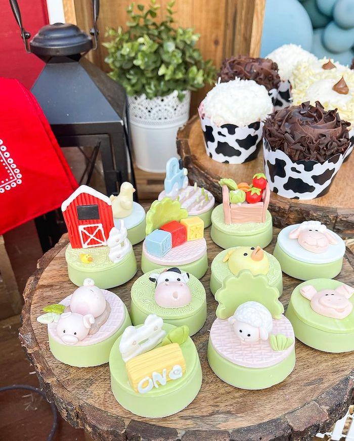 Farm Themed Oreos from a Farm 1st Birthday Party on Kara's Party Ideas | KarasPartyIdeas.com