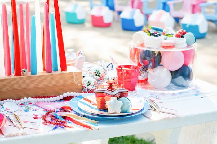 4th of July Table Setting Guest Table from a Modern Americana 4th of July Party on Kara's Party Ideas | KarasPartyIdeas.com
