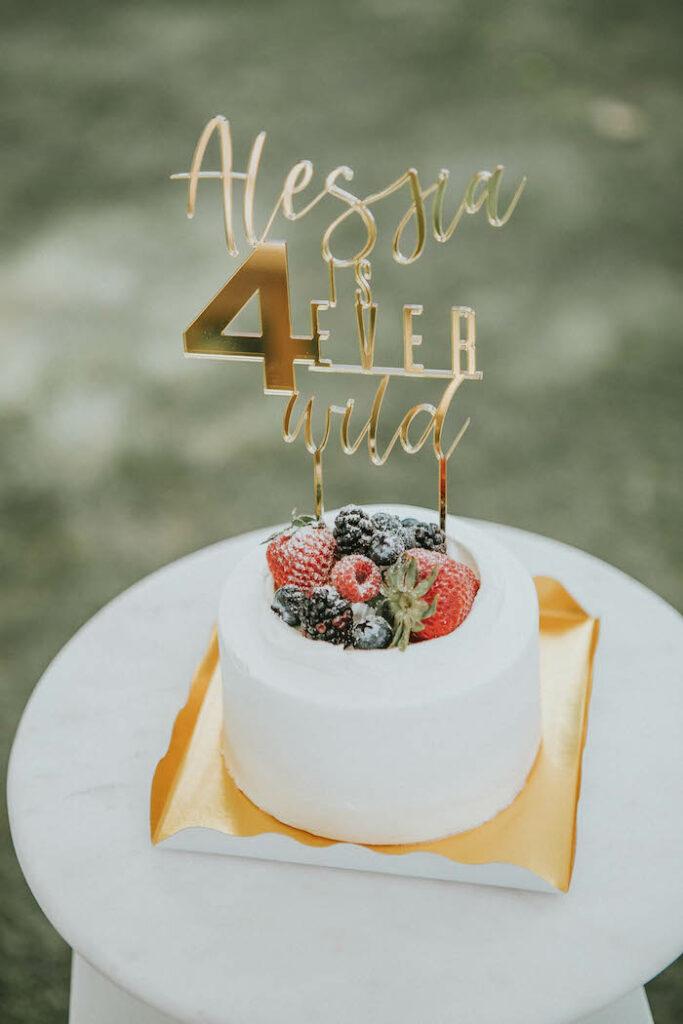 Pastel de frutas de una fiesta de picnic de cumpleaños boho silenciada en Kara's Party Ideas |  KarasPartyIdeas.com