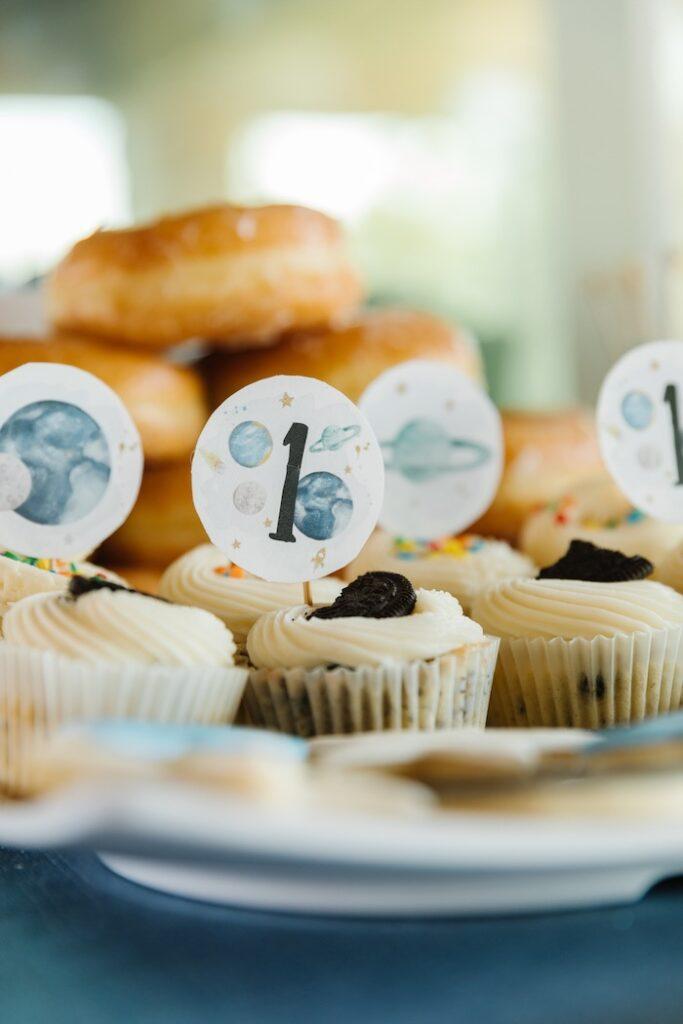 "Planet Cupcakes from a ""1st Trip Around the Sun"" Stellar Birthday Party on Kara's Party Ideas | KarasPartyIdeas.com"