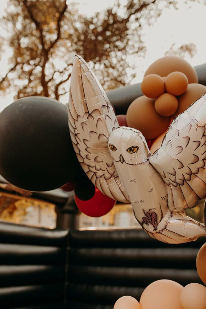 Hedwig Balloon Garland from a Harry Potter Halloween Party on Kara's Party Ideas | KarasPartyIdeas.com