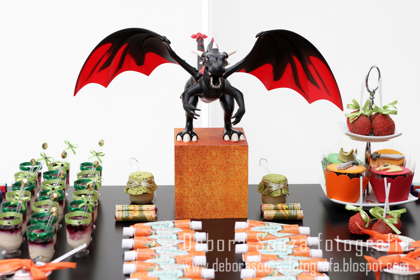 How To Train A Dragon Themed Cake