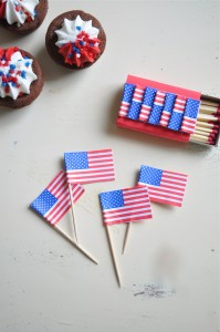diy-4th-july-sparkler-favor-pinwheel-flag-pick-tutorial-www.karaspartyideas.com